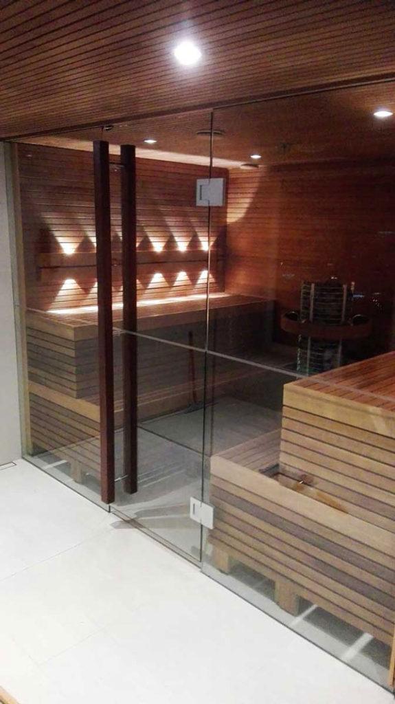 Puhas saunaklaas nanoprofi klaasikaitsevahendiga